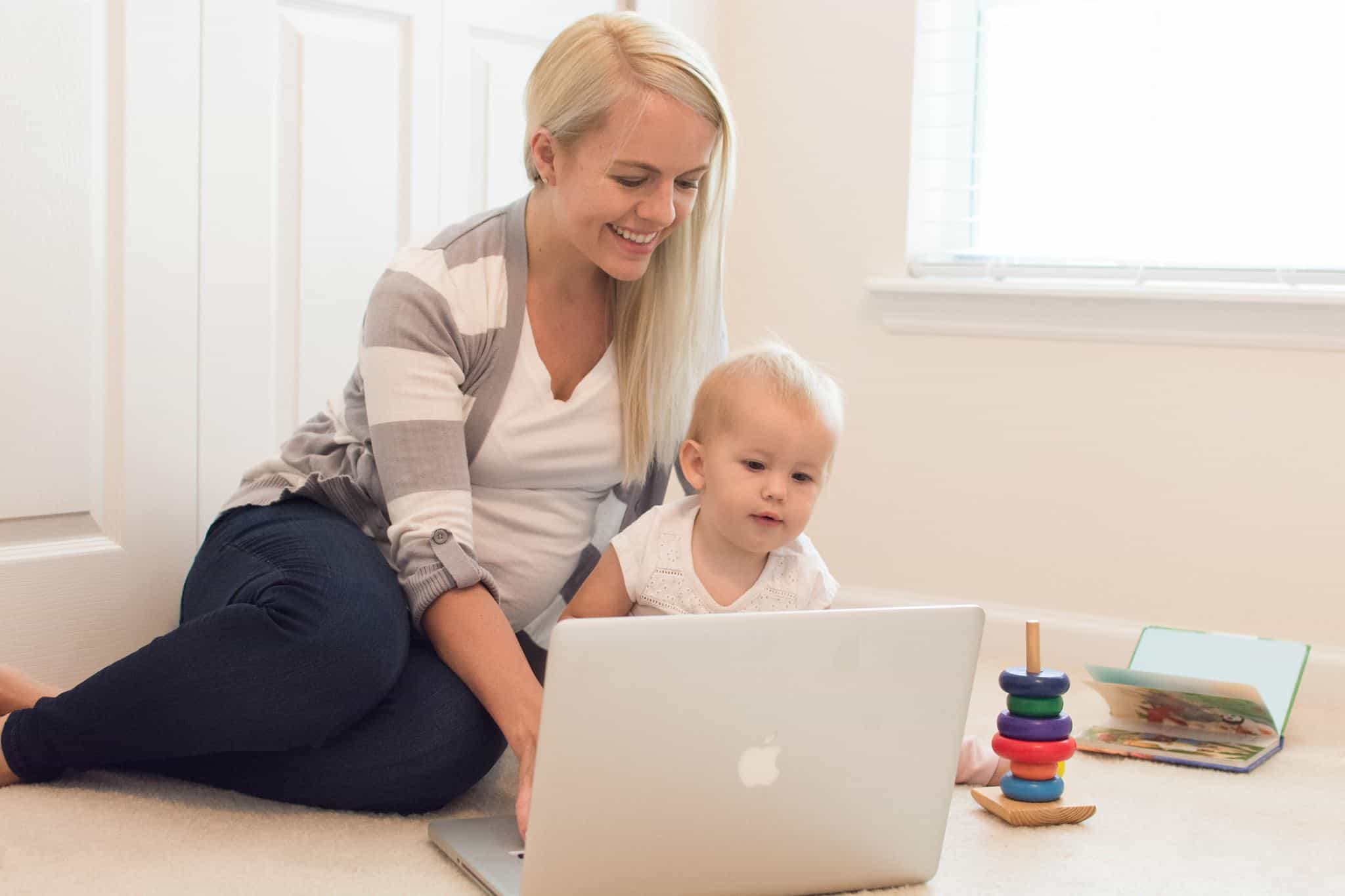 49077b86d9f Ultimate List of 100+ Mom Bloggers Names and Ideas - Start a Mom Blog